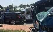 Tin tức tai nạn giao thông mới nhất hôm nay 24/9/2019: Container tông liên hoàn 4 ôtô, 2 người bị thương
