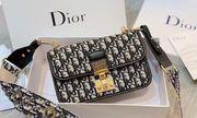 Nguyên nhân nào khiến túi xách hàng hiệu Dior có giá cao ngất ngưởng?