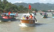 Những người cứu hộ tình nguyện tự chi 400 triệu sắm thuyền trên sông Son