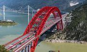 Trung Quốc chính thức thông xe cầu vòm giàn thép 300 triệu USD