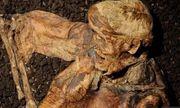 Tìm thấy xác ướp người đàn ông 2.000 năm tuổi gần như nguyên vẹn vùi sâu dưới đầm lầy ở Anh