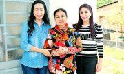 NSƯT Trịnh Kim Chi cùng mẹ con Lý Hương về Tây Ninh trao nhà tình thương