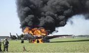 Máy bay ném bom B-17 gặp nạn tại sân bay Mỹ, ít nhất 7 người thiệt mạng