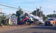 Đồng Nai: Đi lấn làn đường, xe khách tông