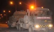 Cận cảnh Thổ Nhĩ Kỳ rầm rập đưa xe bọc thép và binh sĩ tới sát sườn Syria