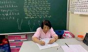 Bà giáo 78 tuổi mở lớp học tình thương đặc biệt suốt 25 năm giữa lòng Hà Nội