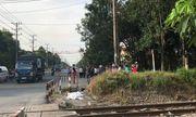 Bình Dương: Người đàn ông bỏ lại xe máy, lao vào tàu hỏa tử vong