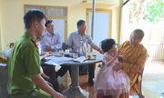 Bé gái 4 tuổi đi lạc từ miền Tây lên Đắk Lắk nhiều ngày đã tìm được gia đình