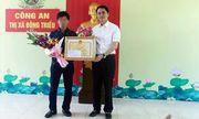 Khen thưởng tài xế điều khiển xe ôtô tông ngã tên cướp tiệm vàng có súng ở Quảng Ninh