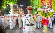 Đoàn nghi lễ Công an Nhân dân lần đầu tiên biểu diễn tại phố đi bộ hồ Hoàn Kiếm