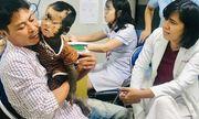 Căn bệnh quái ác khiến bé trai 2 tuổi trông như người vượn