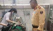 CSGT kịp thời đưa người phụ nữ bị tai nạn đi cấp cứu