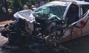 Bình Phước: Xe rước dâu tông trực diện xe tải, 2 người nguy kịch