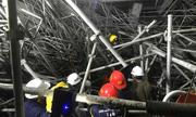 Hải Dương: Sập giàn giáo Trung tâm văn hóa Xứ Đông, 5 công nhân bị thương