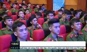 """Nam sinh ĐH Phòng cháy chữa cháy xuất hiện 2 giây trên sóng truyền hình """"hớp hồn"""" dân mạng"""