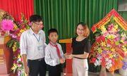 Nghệ An: Nhặt được lắc vàng, học sinh lớp 6 trả lại người đánh mất