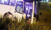 Tin tức tai nạn giao thông mới nhất hôm nay 29/10/2019: Xe khách lao xuống ruộng, 40 người thoát chết