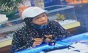 Truy tìm nữ quái trộm dây chuyền 17 chỉ vàng trong tiệm