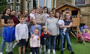 Cặp vợ chồng đông con nhất ở Anh chuẩn bị chào đón người còn thứ 22
