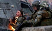 Tin tức thế giới mới nóng nhất ngày 8/11: Nữ cảnh sát bốc cháy vì trúng bom xăng