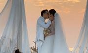 Ông Cao Thắng và Đông Nhi trao nhẫn cưới, khoá môi nồng cháy trước 500 khách mời