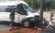 Ô tô chở khách Hàn Quốc gặp nạn ở Huế, 5 người nhập viện cấp cứu