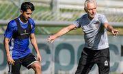 Hành động khó hiểu của HLV trưởng đội tuyển UAE trước trận