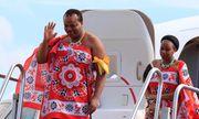 Quốc vương ở châu Phi vét ngân khố mua 19 xe Rolls-Royce tặng 15 bà vợ và tự thưởng cho bản thân