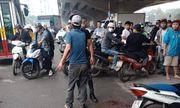 Hà Nội: Nam thanh niên cầm dao truy sát vợ như phim hành động