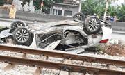 Tin tức tai nạn giao thông mới nhất hôm nay 16/11/2019: Tàu hỏa tông ô tô, nữ tài xế tử vong