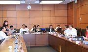 Quốc hội thảo luận tại tổ hai dự án Luật và biểu quyết một nghị quyết