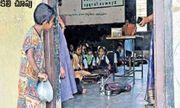 Sự thật về bức ảnh cô bé nghèo cầm bát nhìn vào lớp học đang lan truyền tại Ấn Độ