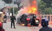 Từ vụ Mercedes gây tai nạn chết người ở Hà Nội: Nên cấm sử dụng giày cao gót lái xe?