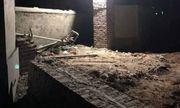 Quảng Ninh: Sập mái cổng nhà đang thi công, 2 công nhân tử vong