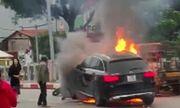 Vụ xe Mercedes gây tai nạn, 1 người chết ở Hà Nội: Tài xế Grab bàng hoàng kể lại giây phút được giải cứu