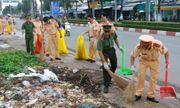CSGT Bạc Liêu chung tay làm sạch môi trường