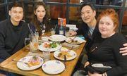 Văn Lâm liên tục khoe ảnh ấm áp bên gia đình, siêu cưng chiều em gái út Thanh Giang