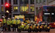 Hiện trường vụ tấn công dao trên cầu London, cảnh sát nổ súng tiêu diệt nghi phạm
