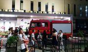 Chung cư Xi Grand Court bốc cháy dữ dội trong đêm, hàng trăm người dân hoảng loạn tháo chạy