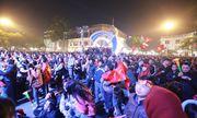 Video: Cổ động viên vỡ òa khi Văn Hậu mở tỷ số cho U22 Việt Nam