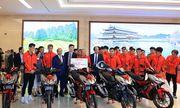Honda Việt Nam tặng thưởng các thành viên của Đội tuyển Quốc gia Nữ Việt Nam và Đội tuyển U-22 Việt Nam chúc mừng cho chiến thắng tại Seagames 30
