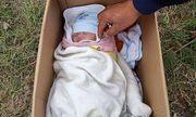 Phát hiện bé sơ sinh bị bỏ rơi ở vệ đường kèm lời nhắn nuôi giúp