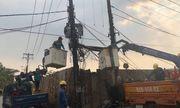 Xe tải vướng trạm biến áp gây nổ, 300 hộ dân mất điện