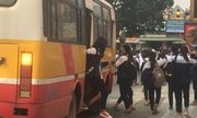 Xe chở được 60 người nhưng nhồi nhét tới 109 học sinh, tài xế bị xử phạt 22,5 triệu đồng