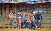 Chàng trai Hà Nội nhặt ve chai, xây trường, mang cơm về bản cho 12.000 trẻ vùng cao