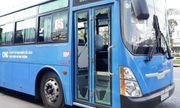 Vụ nhóm côn đồ dùng hung khí đập phá xe buýt: Xác định được danh tính một đối tượng