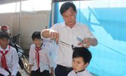 """Ghé thăm tiệm cắt tóc """"không đồng"""" dành cho học sinh tại Hà Tĩnh"""