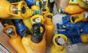 Hải Phòng: Bắt giữ 2 container chứa hơn 400 bình nghi khí cười