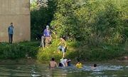 Nghệ An: Nữ lớp 10 bất ngờ gieo mình xuống sông Dinh được thầy giáo cứu sống
