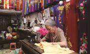 Chân dung cụ bà hơn 65 năm gìn giữ nghề may áo dài truyền thống trên phố cổ Hà Nội